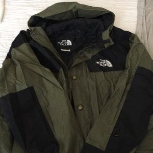 THE NORTH FACE WEATHER JACKET with hood